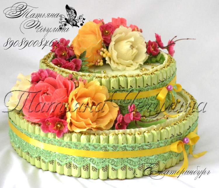 Торт из конфет и цветов