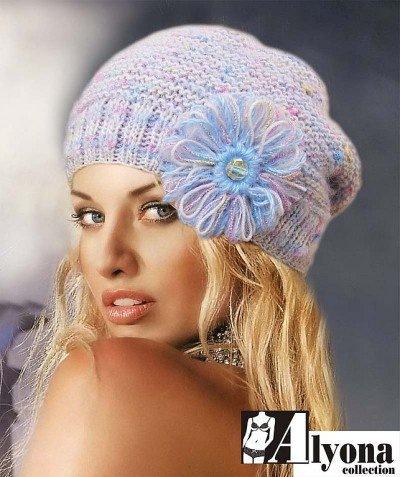 Вязать шапку с украшениями