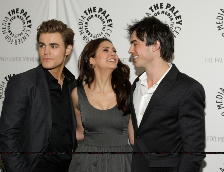 vampire diaries actors dating real life Previously, the vampire diaries' plec told thr there were big things ahead for elena and her on-again boyfriend, damon (played by dobrev's real-life ex-boyfriend, somerhalder) to close out the.