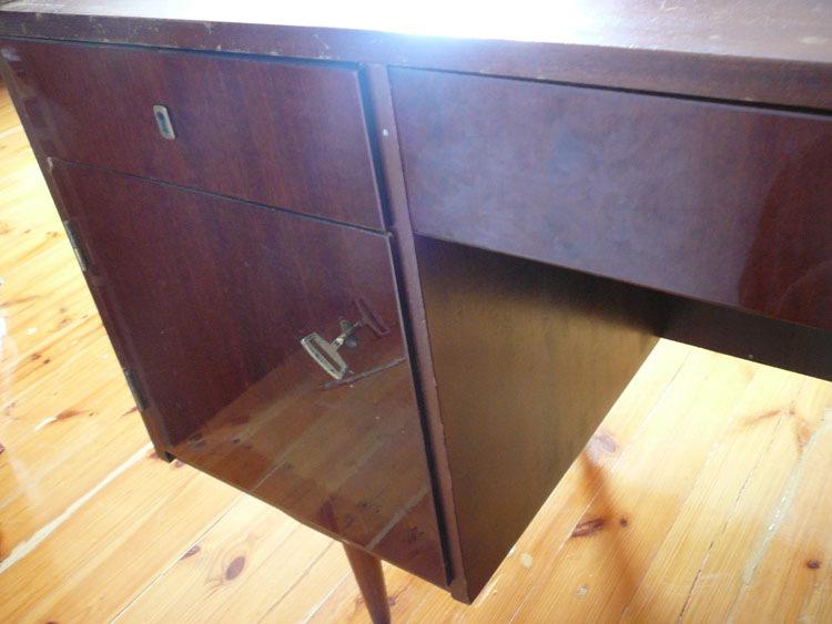 Как переделать старый письменный стол своими руками