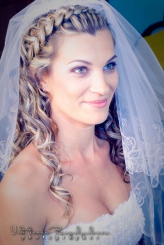 Фото свадебных причесок с фатой и косами